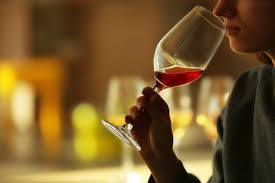 Learn How to Taste Wine and Develop Your Palate